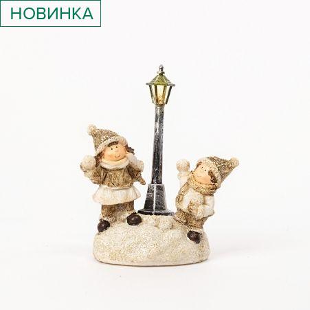 11/0789С(Sale) Фигура керамическая дети под фонарем(светящийся)