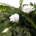 К348 Композиция цветочная h25см (латекс) в круглом кокосовом боксе d30h10